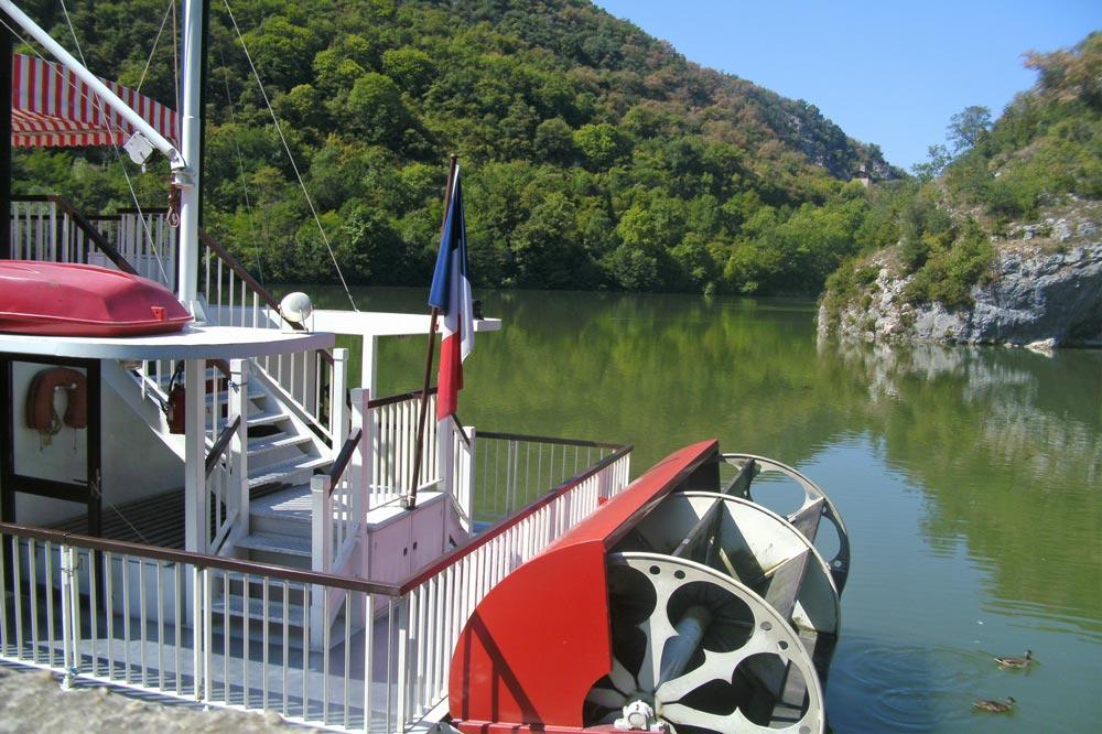 Photographie d'un bateau à roues à Saint-Jean-en-Royans