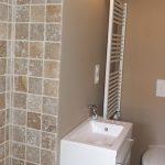 Photo de la salle de bain d'un gîte en France