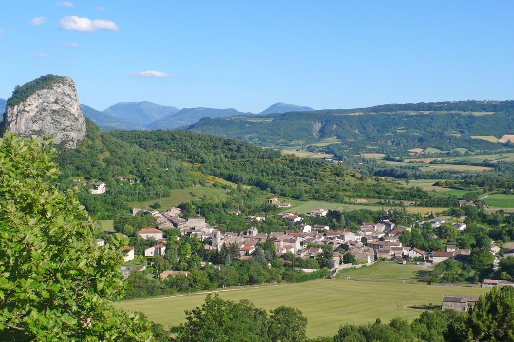 Photographie du village de Saou en Drôme provençale