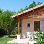 Photographie d'une terrasse d'un gîte provençal