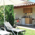 Photo de la terrasse couverte d'une maison de vacances en Drôme