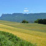 Photographie du massif montagneux des 3 becs dans la vallée de la Drôme