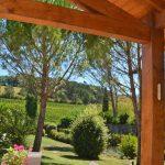 Photographie d'une terrasse dans la vallée de la Drôme