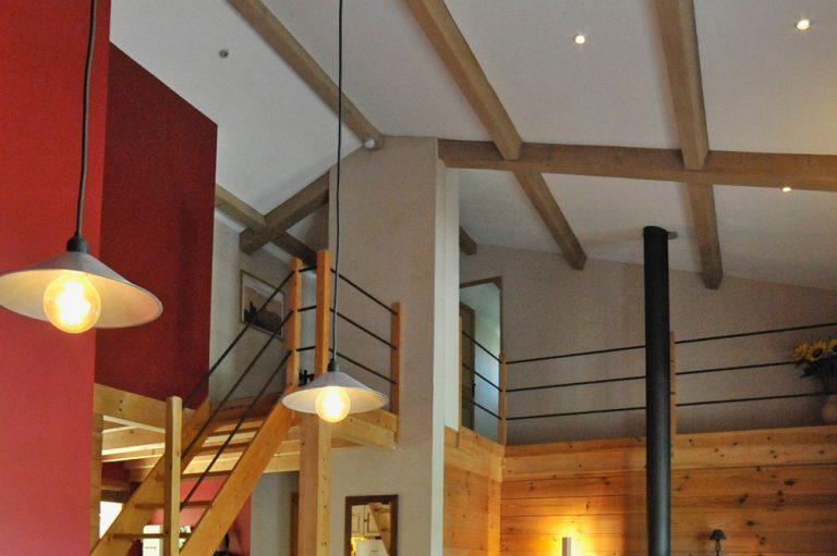 Photographie d'une mezzanine design dans un hébergement touristique à Mirabel et Blacons