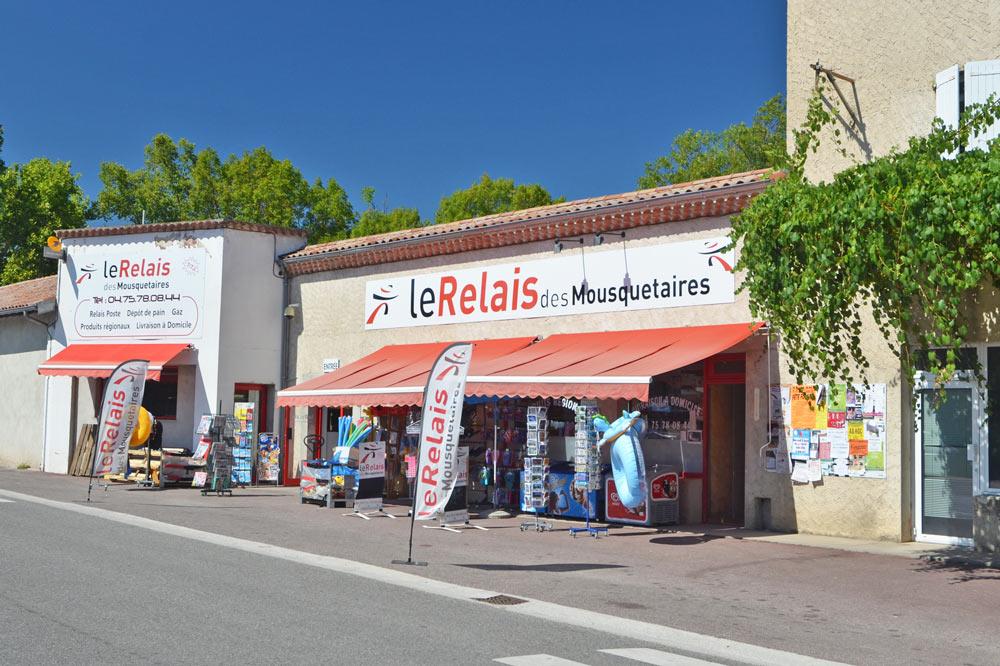 Photographie d'une magasin de village à Mirabel et Blacons dans la Drôme