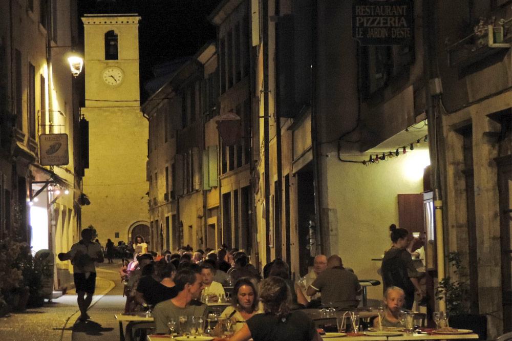 Photographie de restaurants dans le village de Sailans dans la Drôme