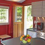 Photo d'un coin à manger dans maison de vacances dans la Drôme