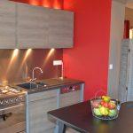 Photo d'une cuisine ouverte dans un gîte 3 étoiles dans la Drôme
